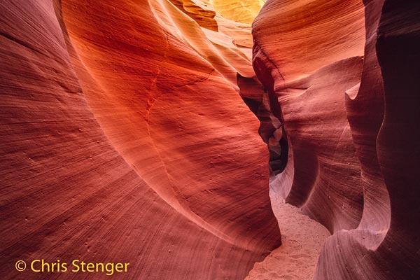Dit is één van de vele kloven in het zuid westen van de USA. Het zijn kloven in zandsteen met gladgeslepen wanden, totaal anders van karakter dan de kloven in Karijini. Deze foto is een scan van een dia!