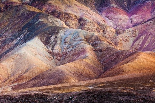 Erosie vormen in één van de vele kloven, quebrada's, in de Atacama