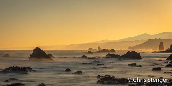 Deze foto maakte ik vanaf playa Campiecho een uurtje na zonsopkomst toen het vloed werd (Canon 5Ds R met 24-70mm ISO100 13sec bij f/11 64xND filter vanaf statief)