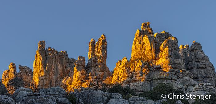 Kalksteenpilaren in El Torcal bij zonsondergang